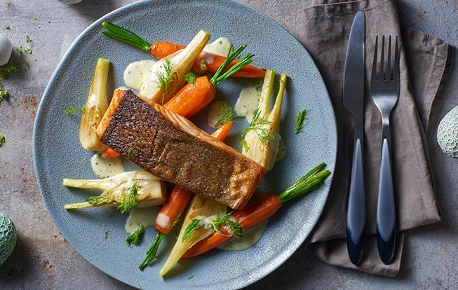 Restovaný losos so zeleninou