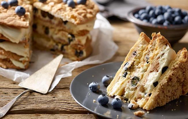 Posýpková torta s čučoriedkami a mascarpone