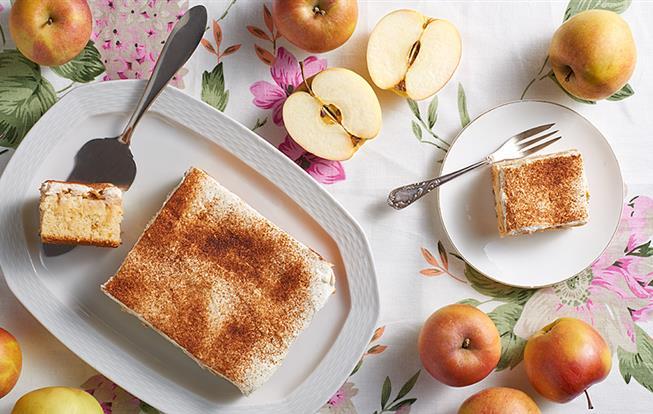 Jablkovo-smotanový koláč