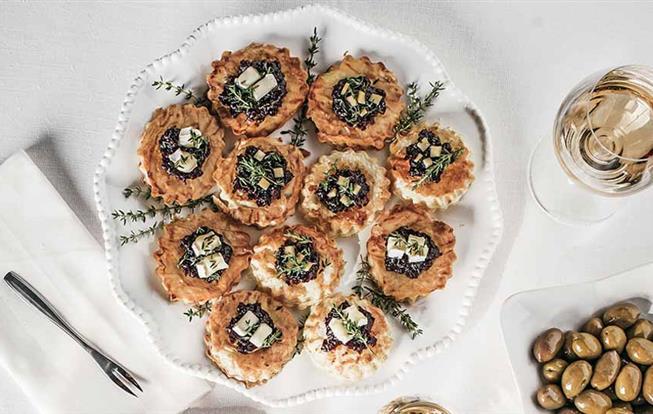Chuťovky s cibuľovou remuládou a syrom
