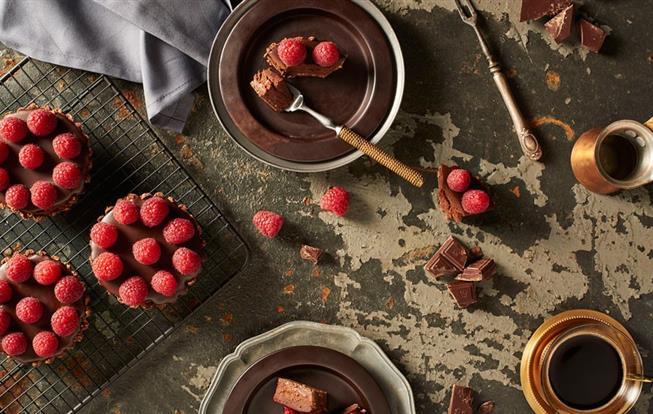Čokoládovo-kávové koláčiky s malinami