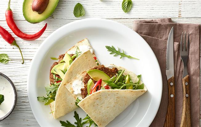 Plnená tortilla s mäsom a avokádom
