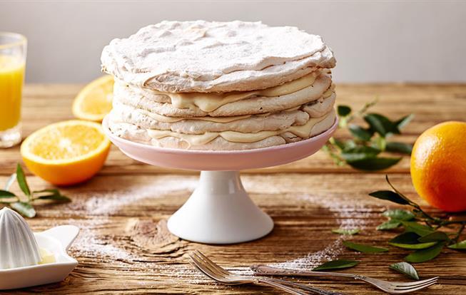 Pomarančová bezé torta