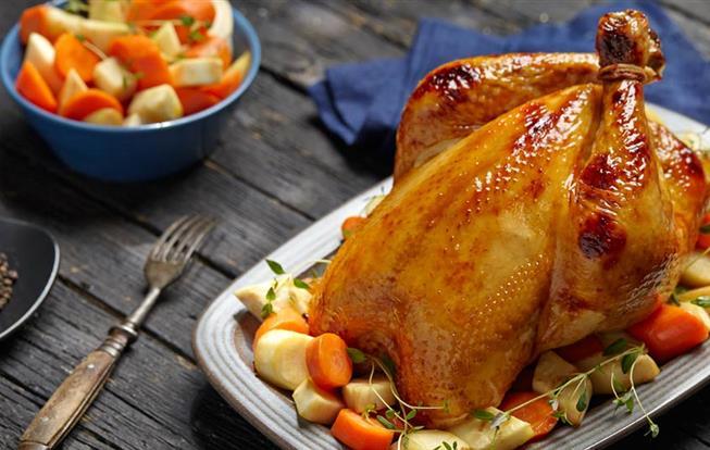 Pečené vykostené kurča so žemľovou plnkou