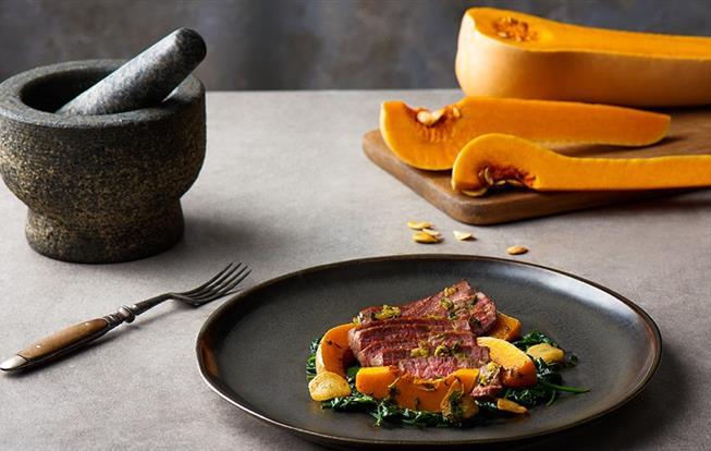 Hovädzí steak s pečenou tekvicou
