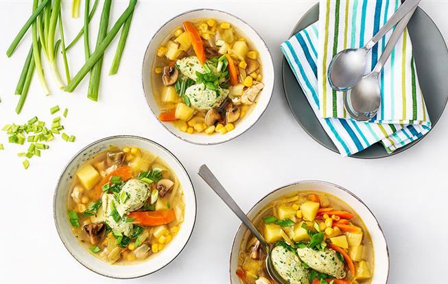 Kuracia polievka so zázvorom a knedličkami