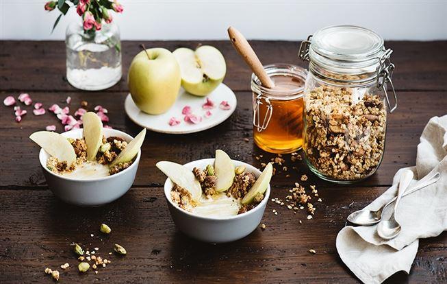 Domáca granola s gréckym jogurtom