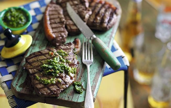 Steak z hovädzej sviečkovice s chimichurri