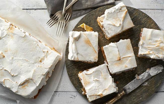 Rebarborový koláč so snehovou čiapočkou