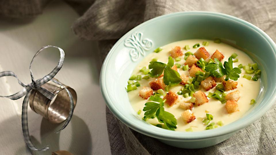 Syrová polievka s hriankami