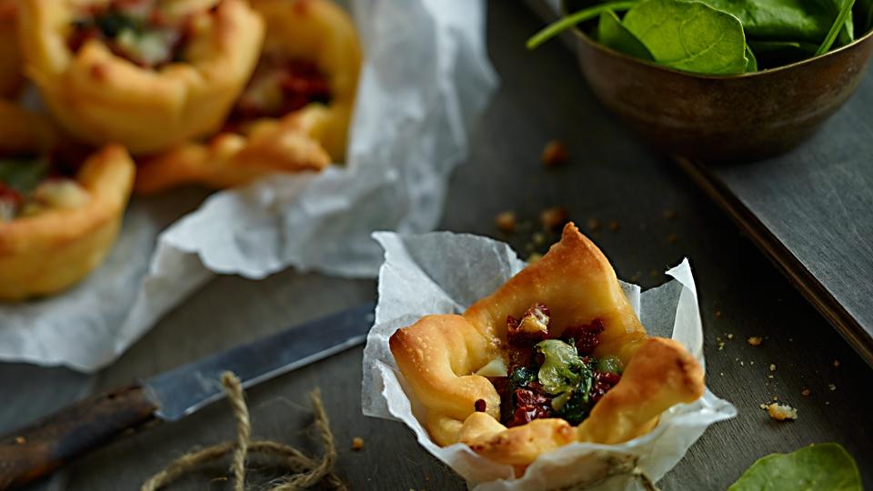 Košíčky so špenátom a salámou