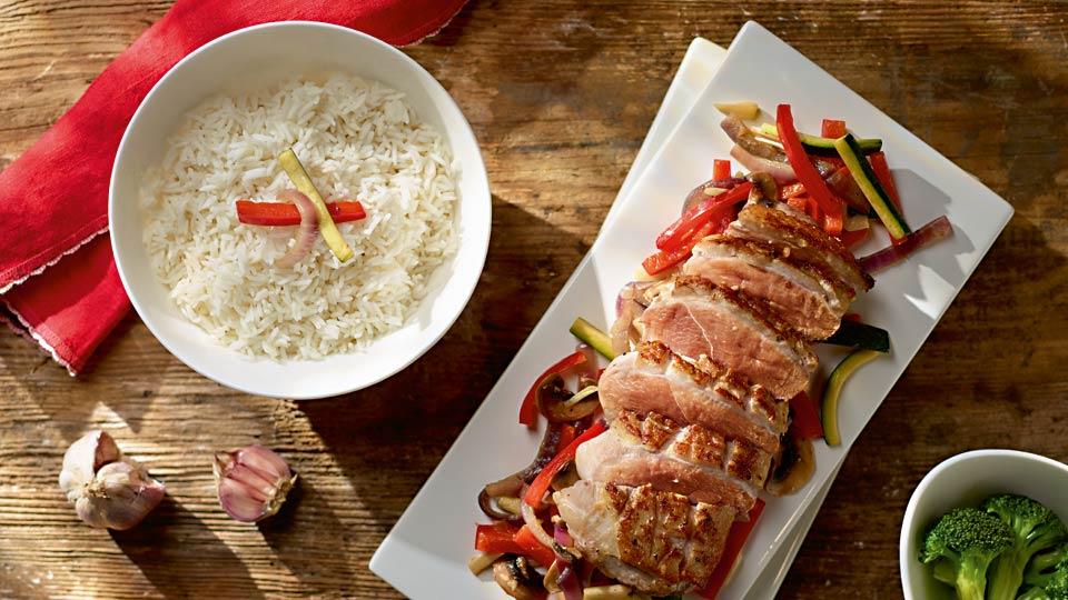Kačacie prsia s wok zeleninou a jazmínovou ryžou