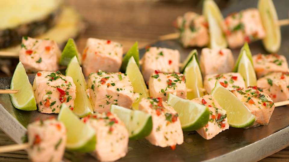 Grilované mexické špízy z lososa