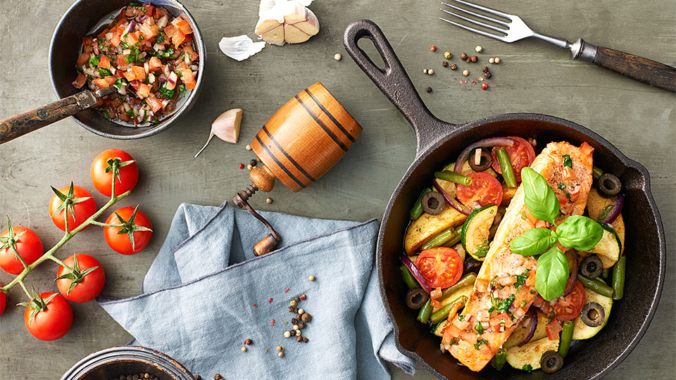 Losos so zeleninou a paradajkovou salsou