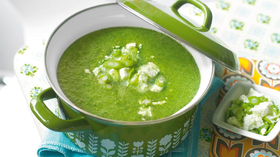 Špenátová polievka so syrom feta