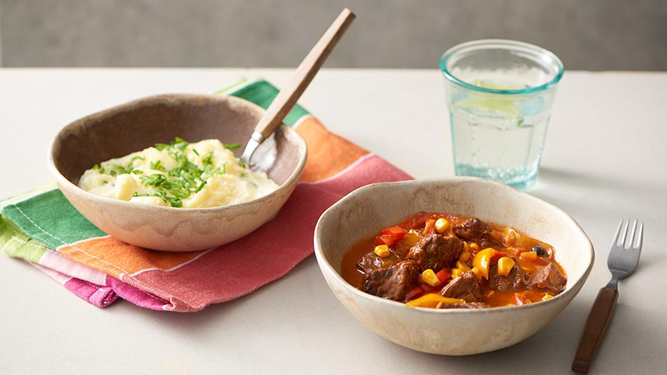 Mexický guláš s kukuricou a paprikami