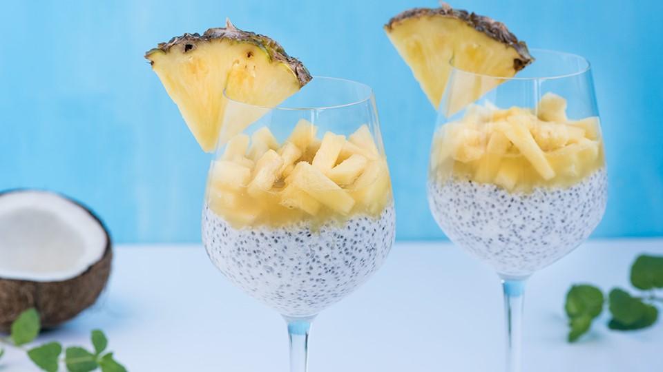 Chia puding s kokosovým mliekom a ananásom