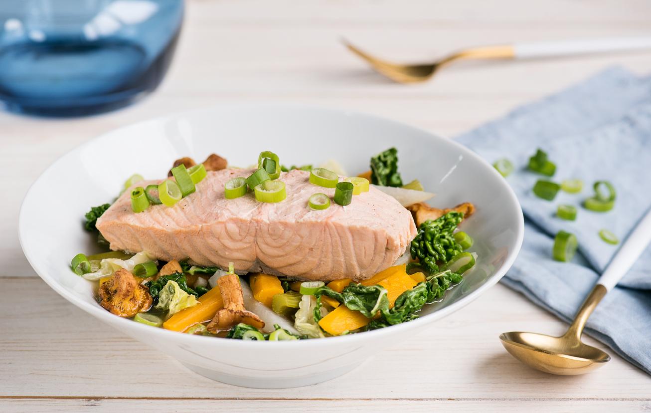 Pošírovaný losos so zeleninou