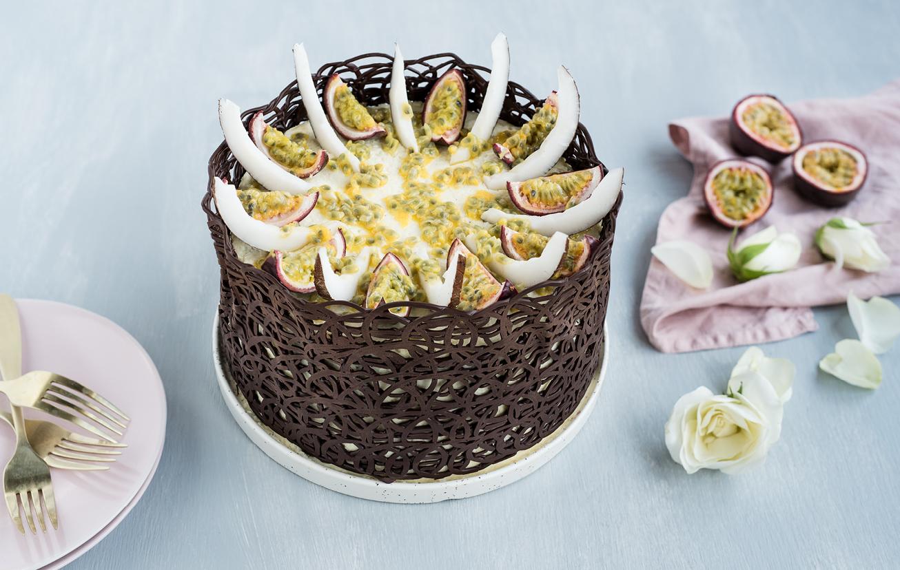 Čokoládová torta s marakujou a kokosovým krémom