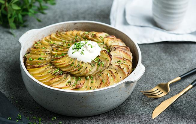 Zapekané zemiaky s kyslou kapustou