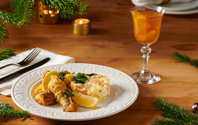 Kapor so zemiakovým šalátom a vianočný punč