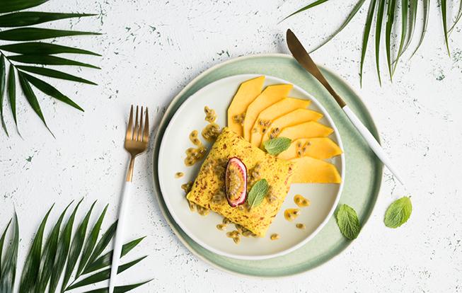 Mangové palacinky s marakujou a kokosom