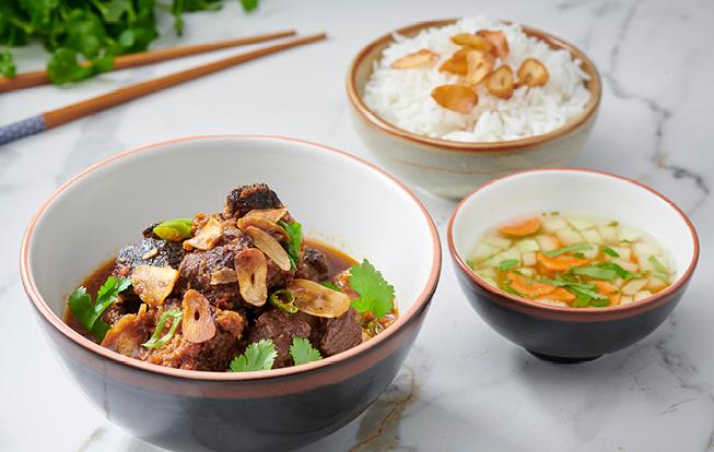 Glejovka hovädzia so zázvorom a jazmínovou ryžou