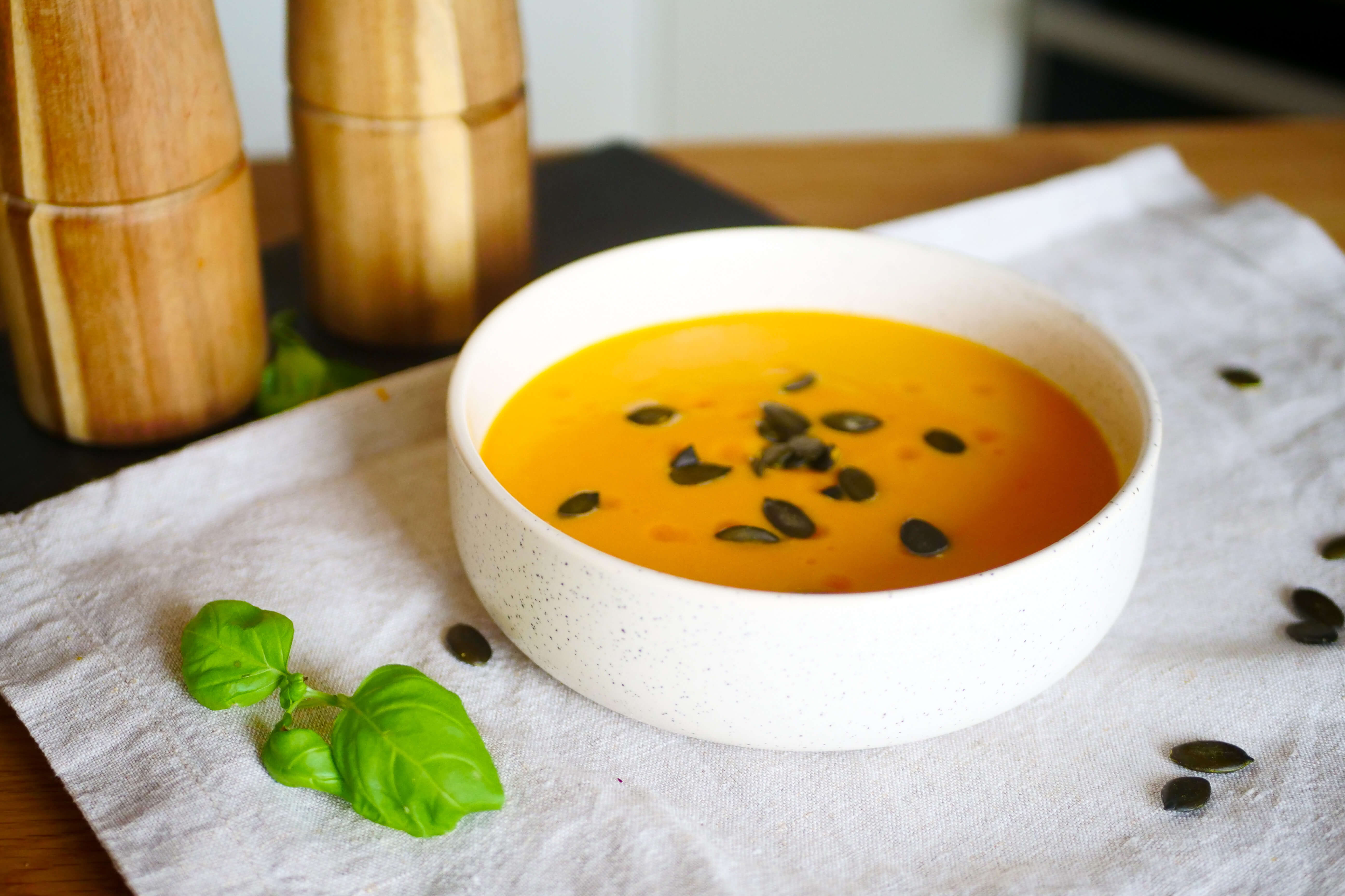 Mrkvovo-zázvorová polievka