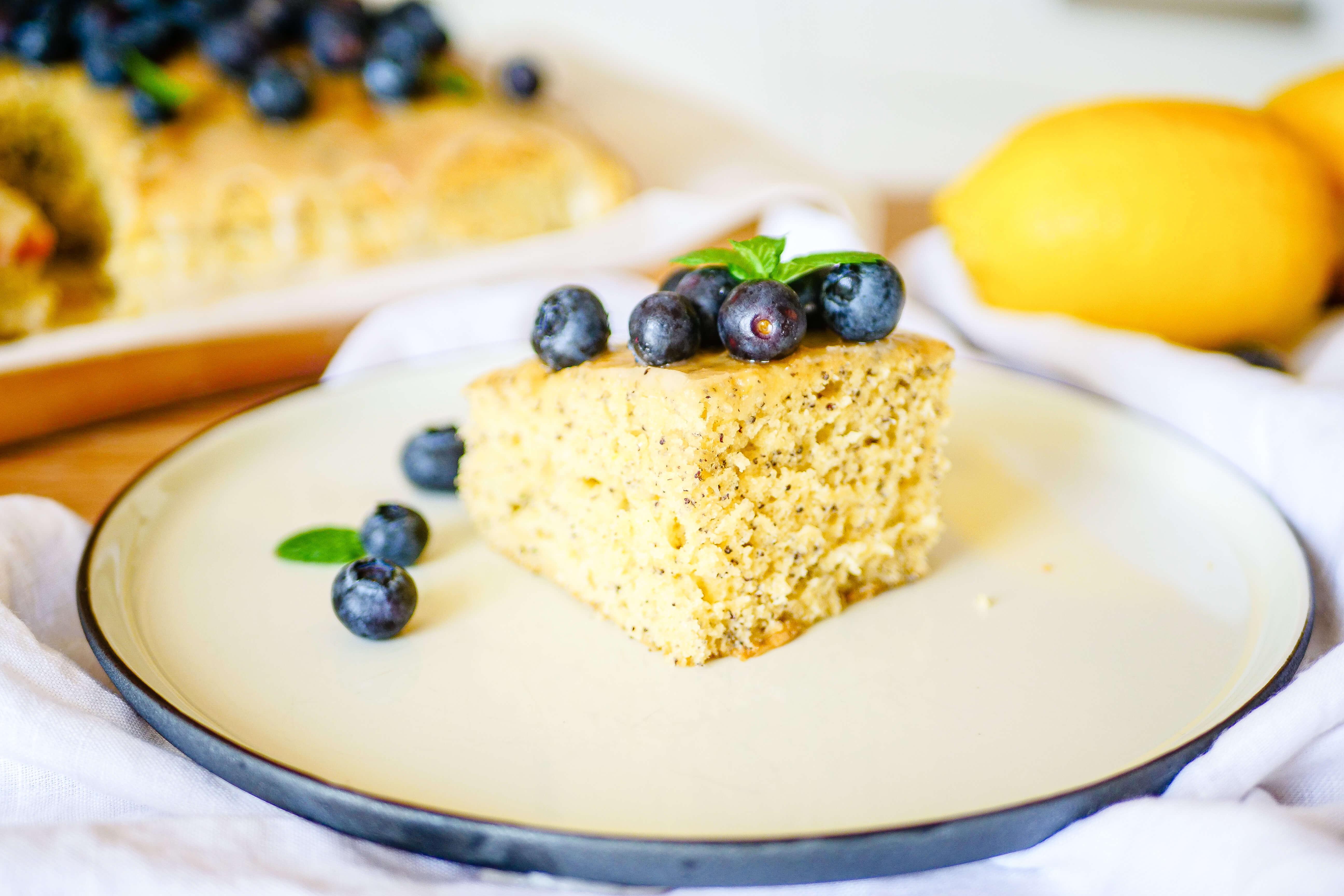 Citrónovo-makový koláč