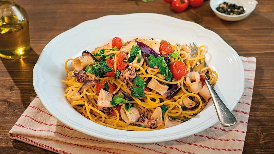 Chilli špagety s paradajkami a kalmármi