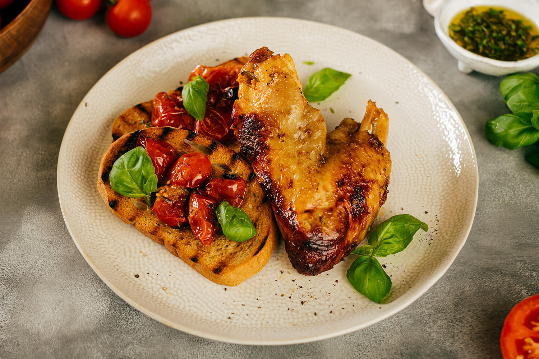 Morčacie krídla s paradajkami