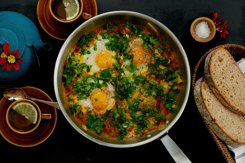 Raňajková panvica s vajíčkami (shakshuka)