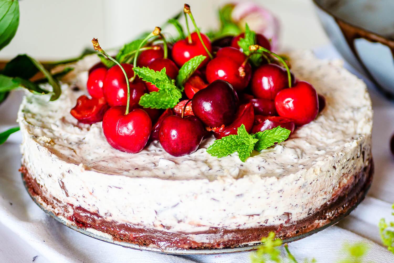 Stracciatellový koláč s čerešňami