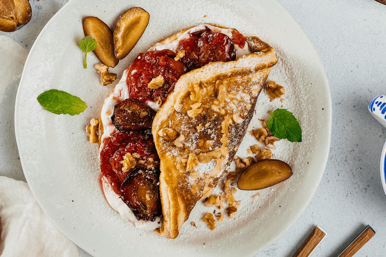 Sladká omeleta so slivkami